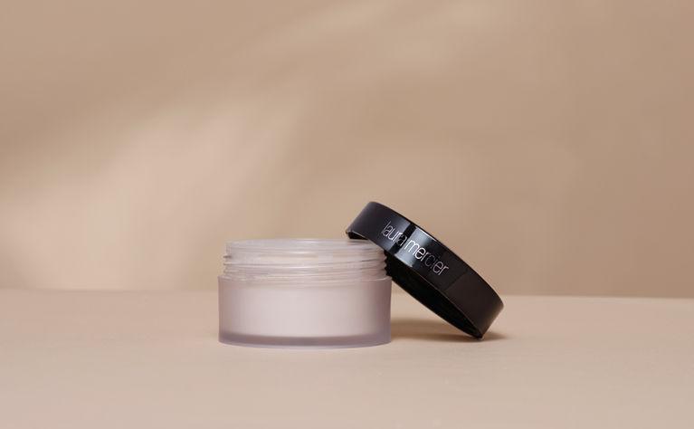 cosmo cert Laura Mercier Translucent Loose Setting Powder