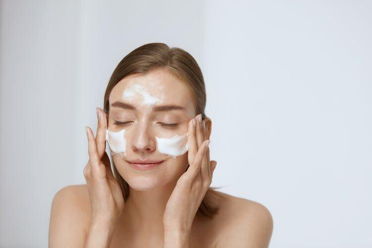 卸妝水正確用法3:要雙重清潔(Double Cleansing)