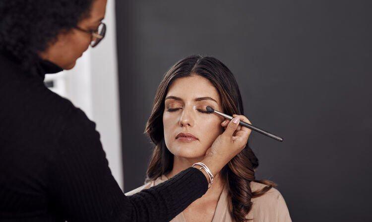 卸妝水正確用法4:用作改妝或轉妝
